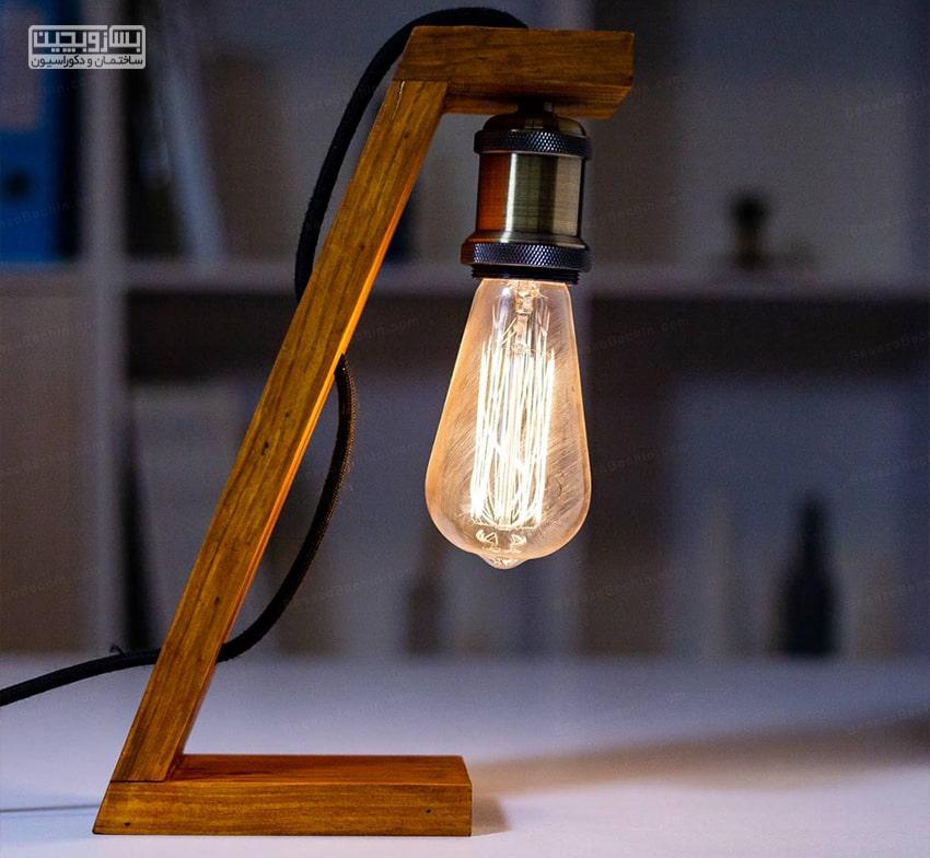 چراغ مطالعه مهندسی