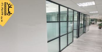 پارتیشن شیشه ای گزینه ای با تعمیر و نگهداری اندک و آسان برای انواع پارتیشن بندی منزل و محل کار